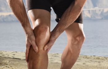 Runner stopped by a rapid knee pain